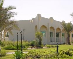 Umm_Al_Quwain_Beach_Hotel.jpg